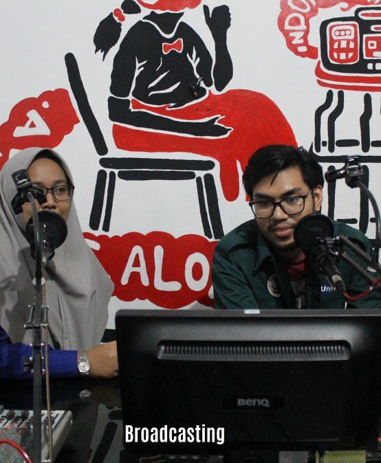Pengenalan Dunia Broadcasting di Politeknik Indonusa Surakarta
